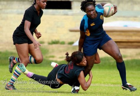 Kwanieze John holding the ball in action